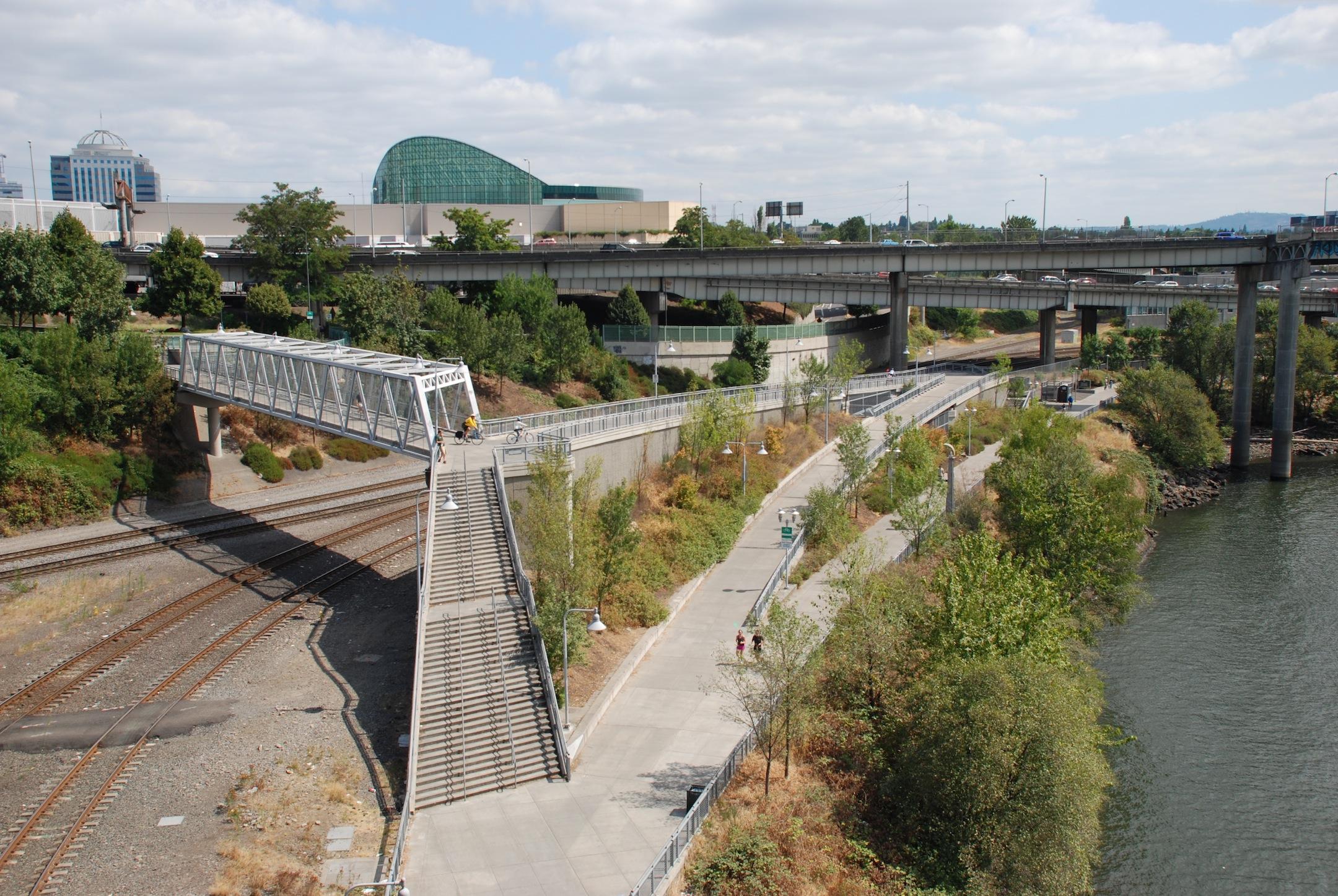 Eastbank Esplanade - Rose Quarter access bridge