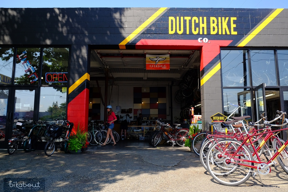 Dutch Bike Company in Seattle rents city bikes and bakfiets.