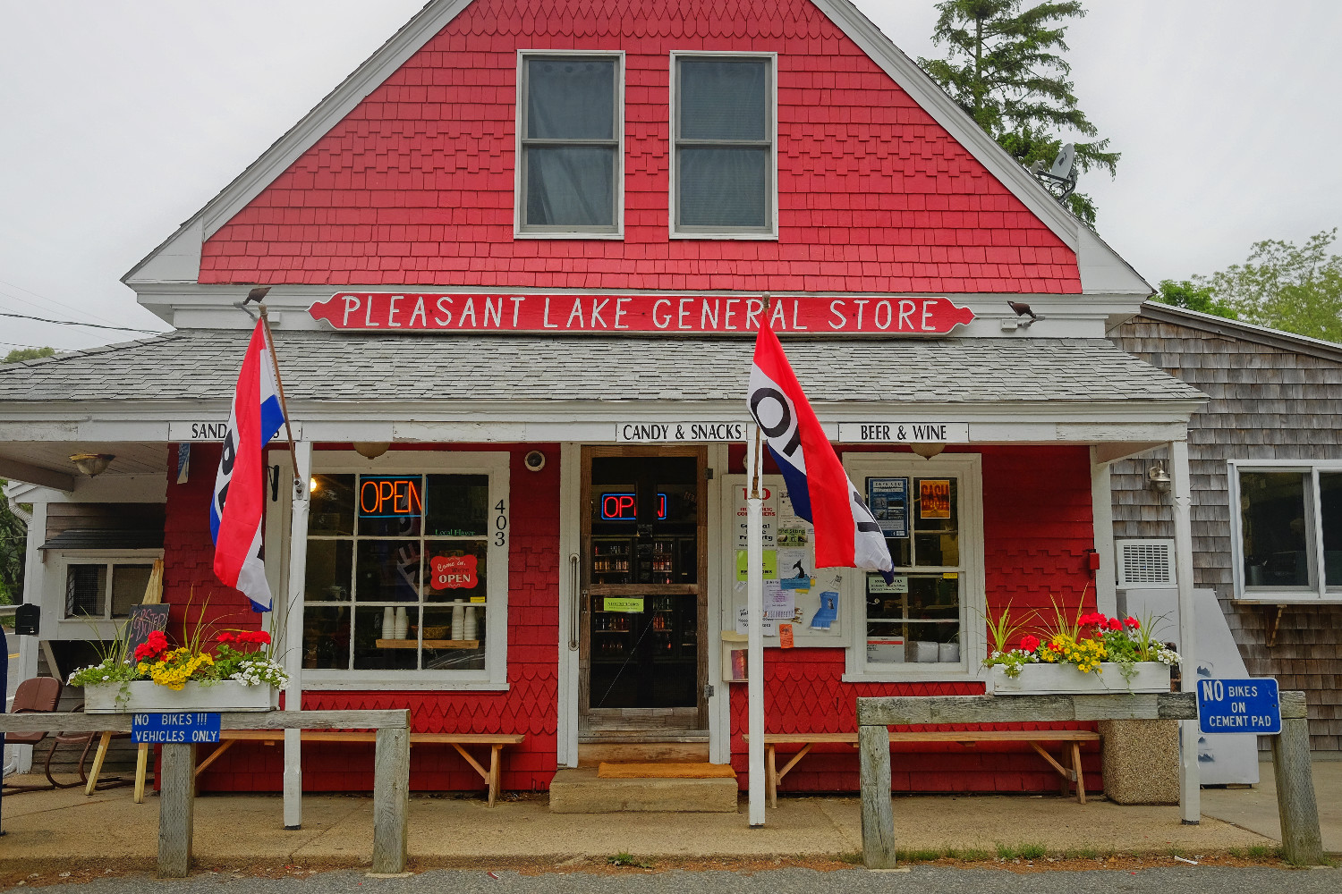 2nd breakfast at trailside Pleasant Lake General Store, also known for their Shepherd's pie.
