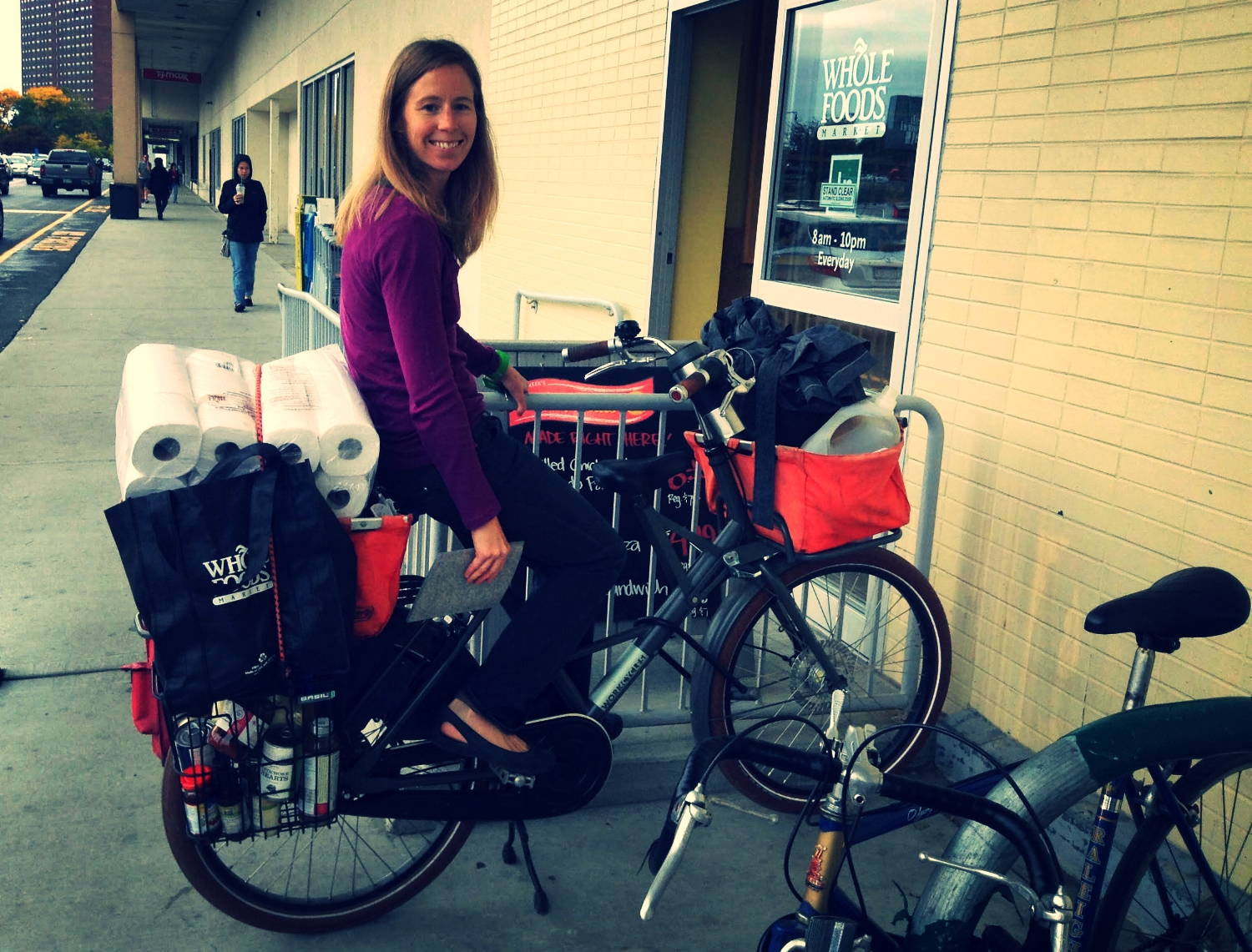 Double kickstands like this one on the Workcycle FR8 make grocery shopping by bike easier.