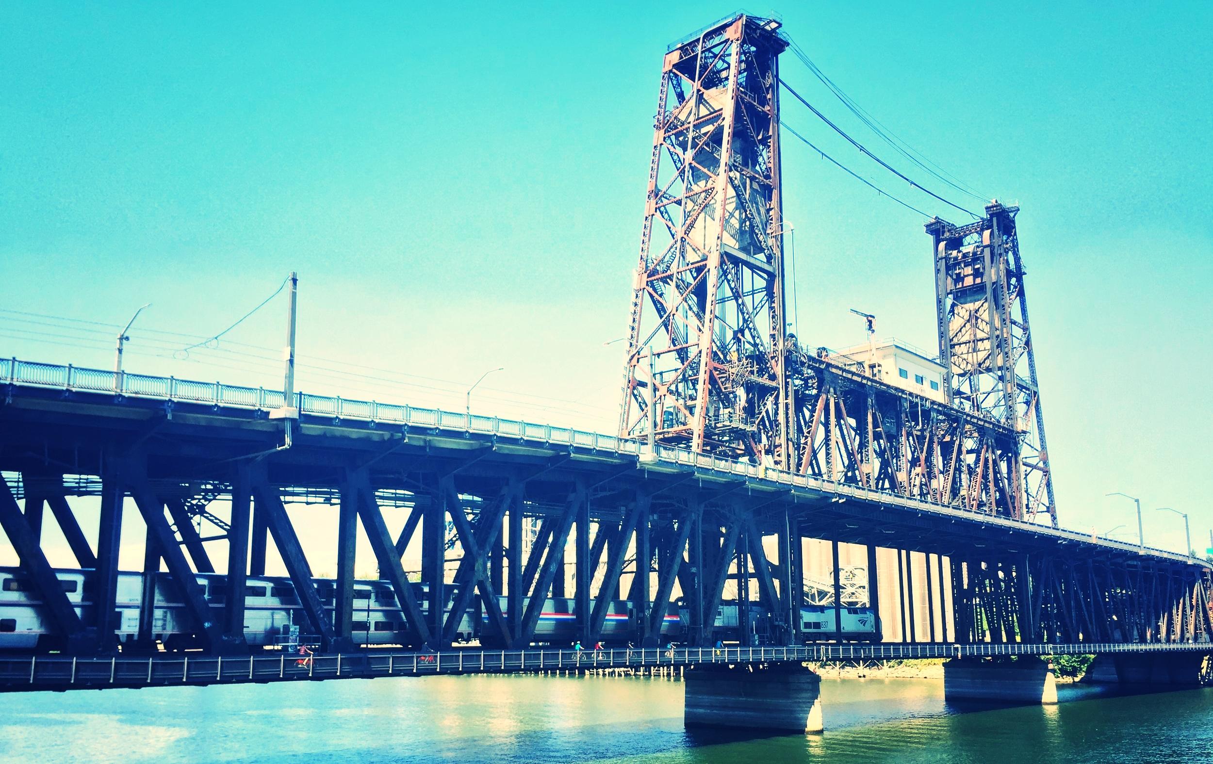 Bikabout-Portland-Steel-Bridge-2.JPG