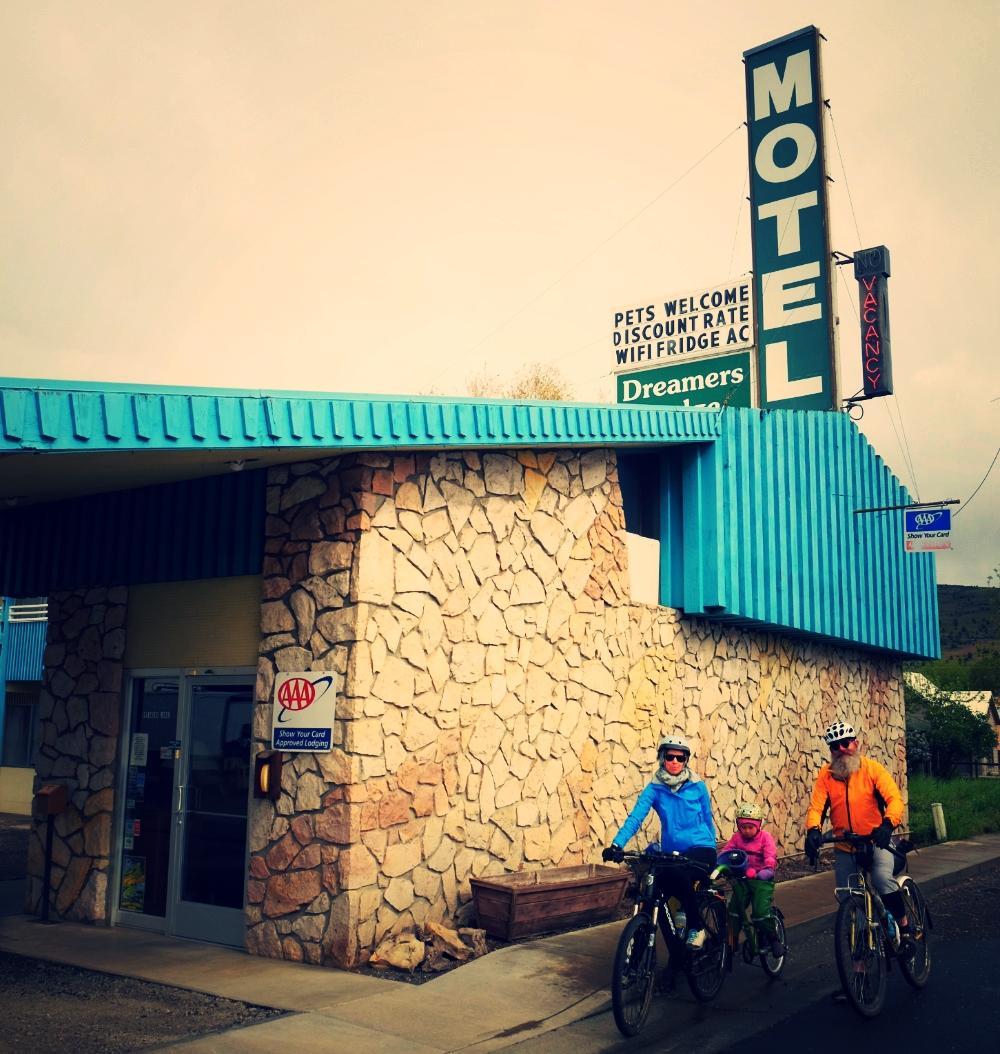 Vintage roadside lodge accommodated us in John Day.