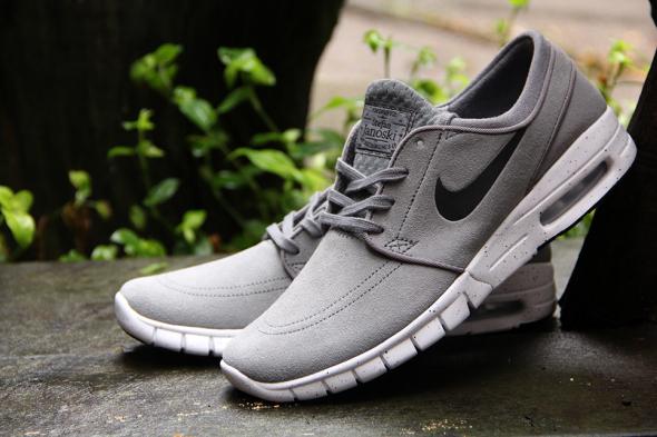 Nike-Sb-Stefan-Janoski-Max-L-Cool-Grey_Black-White-685299-011-Angle-2.jpg