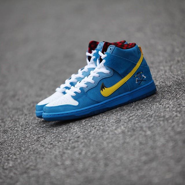 Familia-Skate-Shop-x-Nike-SB-Dunk-High-BlueOx.jpg