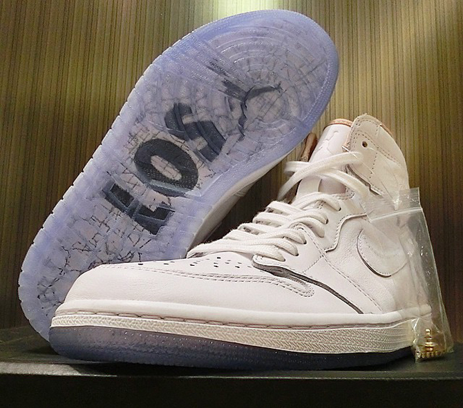 Air-Jordan-1-High-Los Angeles-6.jpg