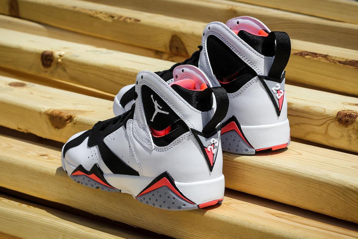 Air-Jordan-7-GS-Hot-Lava-06.jpg