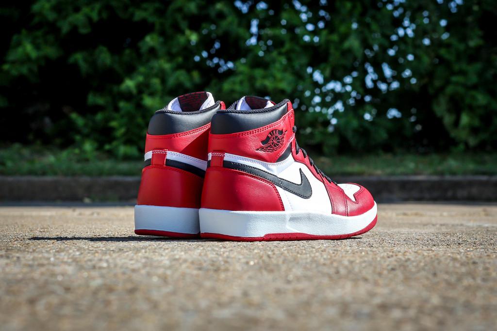 Jordan-1.5-Chicago-02.jpg