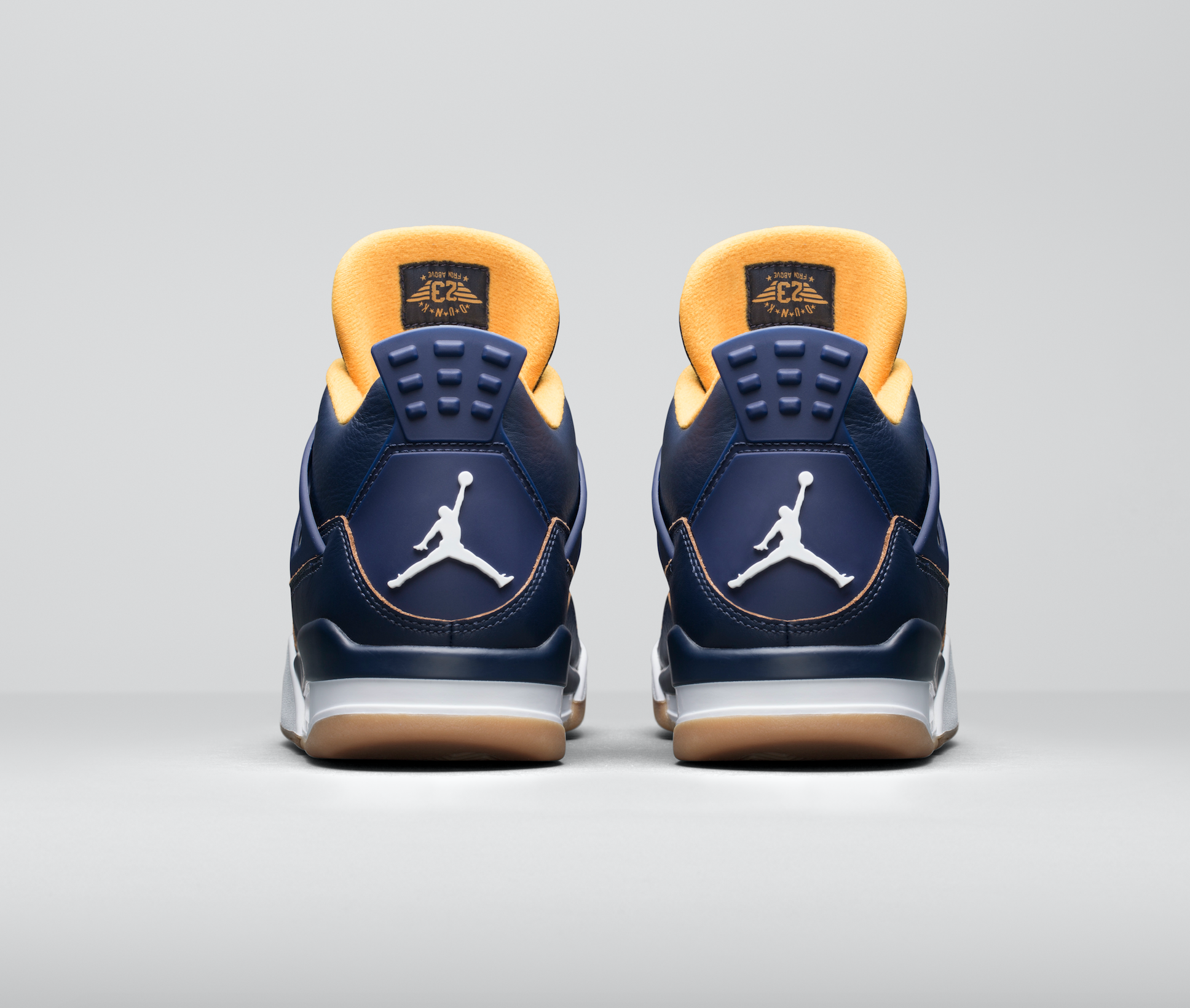 Release-Date-Air-Jordan-4-Dunk-From-Above-06.png