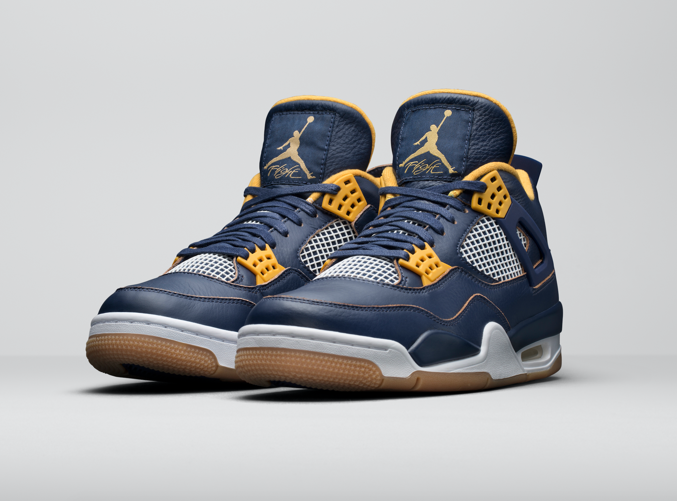 Release-Date-Air-Jordan-4-Dunk-From-Above-04.png
