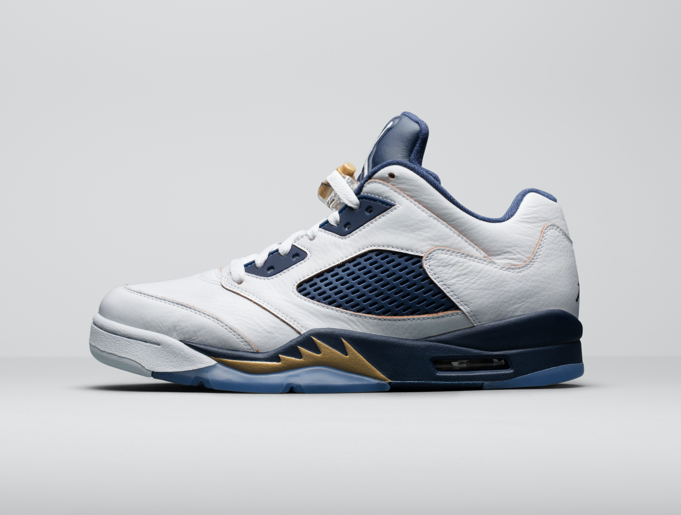 Release-Date-Air-Jordan-5-Low-Dunk-From-Above-04.png
