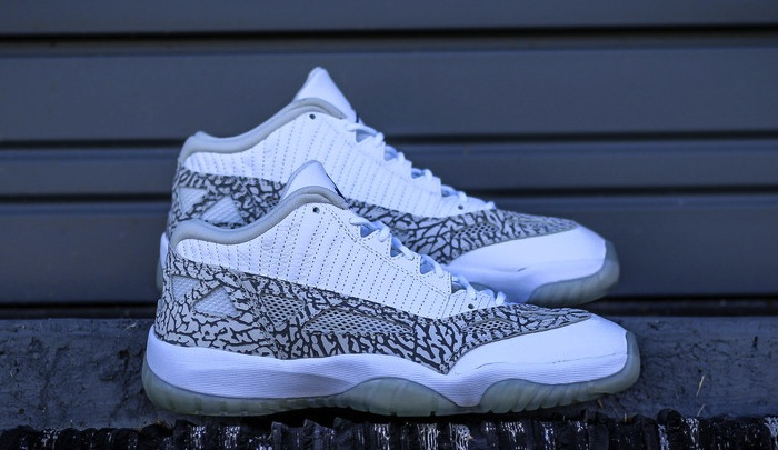 air-jordan-11-low-ie-white-cobalt--01.jpg
