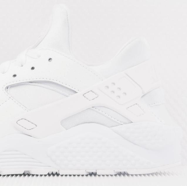 Nike-Air-Huarache-all-white-03.png