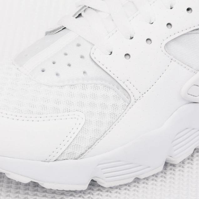 Nike-Air-Huarache-all-white-02.png