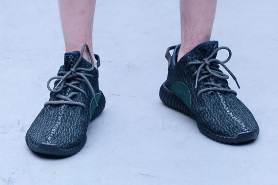 adidas-yeezy-350-boost-black-rumored-release-03.jpg
