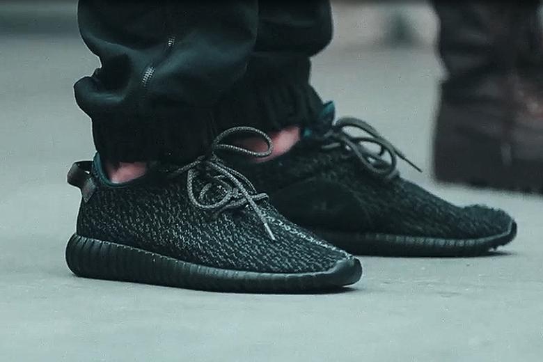 adidas-yeezy-350-boost-black-rumored-release-02.jpg