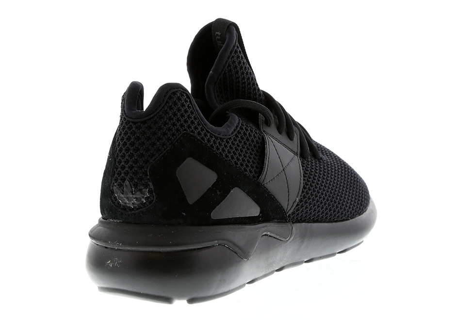 adidas-tubular-strap-red-black-release-08.jpg