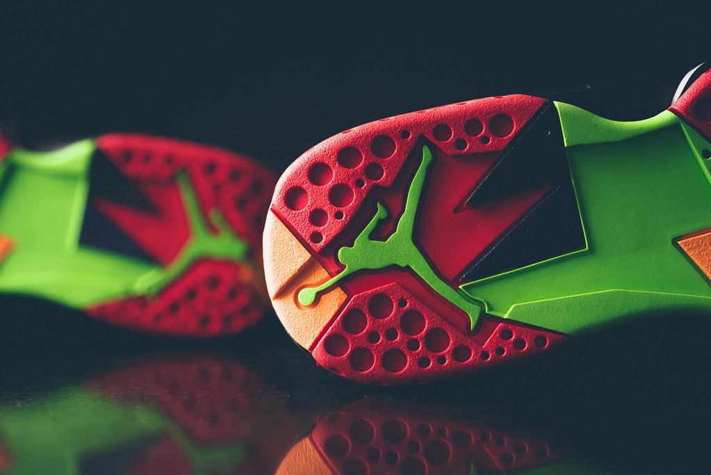 Air_Jordan_7_Retro_Marvin_the_MArtain_New_08.jpg