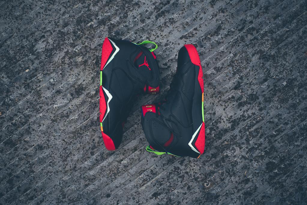 Air_Jordan_7_Retro_Marvin_the_MArtain_New_02.jpg