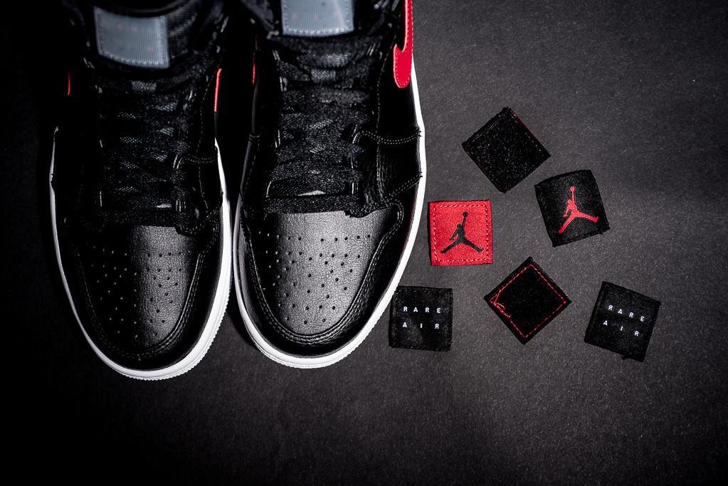 Air_Jordan_1_High_Rare_Air_Photos_3.jpg