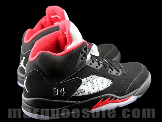 supreme-air-jordan-5-black-collab-05.jpg
