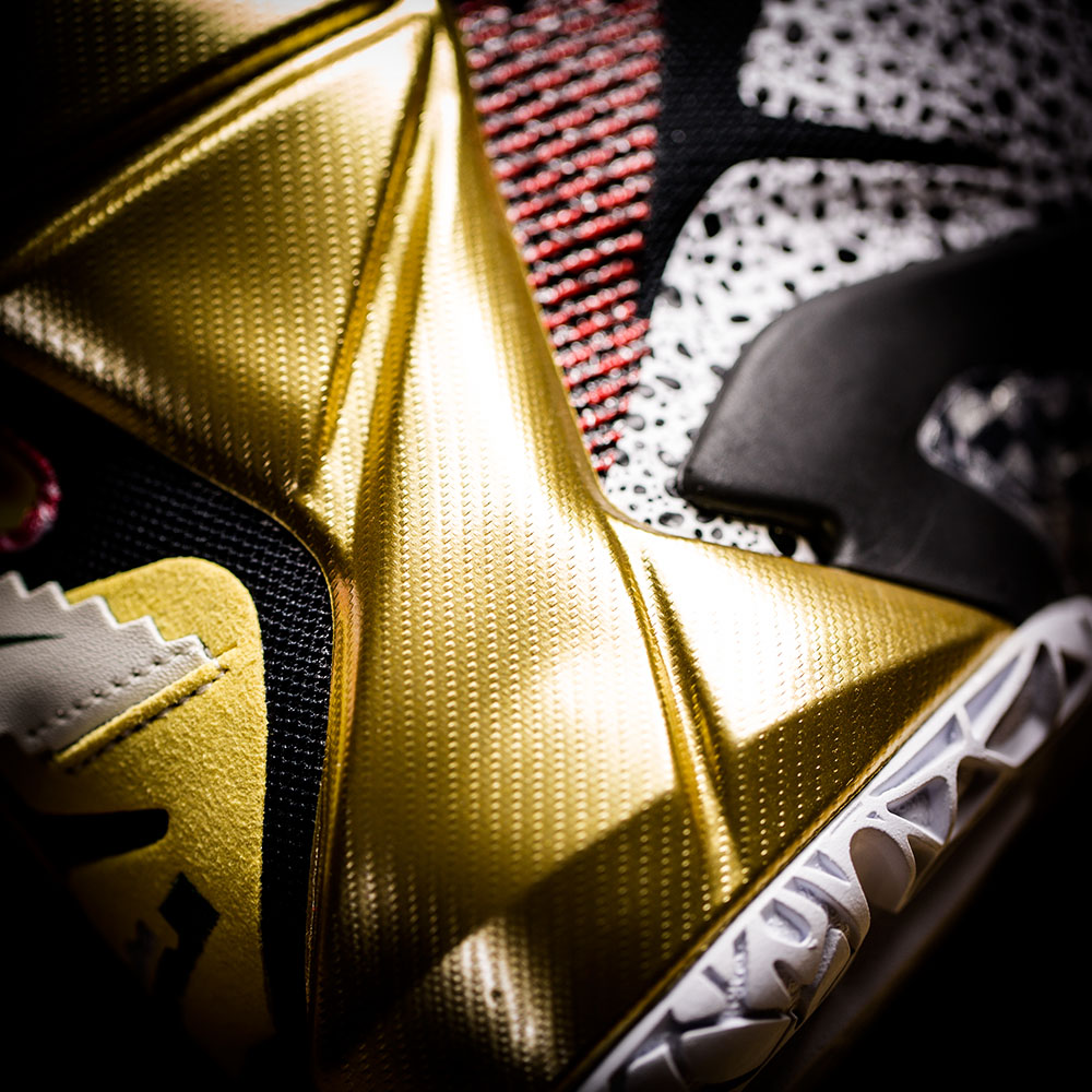 nike-lebron-12-what-the-lebron-closer-look-11.jpg
