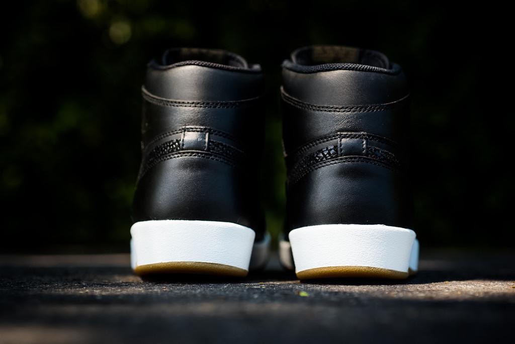 Air_Jordan_1_High_The_Return_Black_Gum_3.jpg