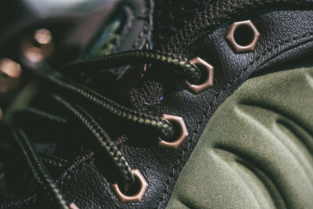 Foamposite-One-Olive-New-Release-05.jpg