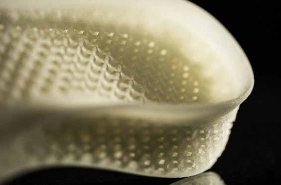 ADIDAS-PRESENTS-THE-FUTURE-OF-RUNNING-SHOES-3D-PRINTED-MIDSOLE-TECHNOLOGY-4-565x372.jpg