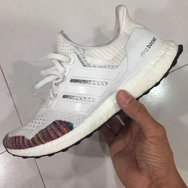 ADIDAS-ULTRA-BOOST-multicolor-02.jpg