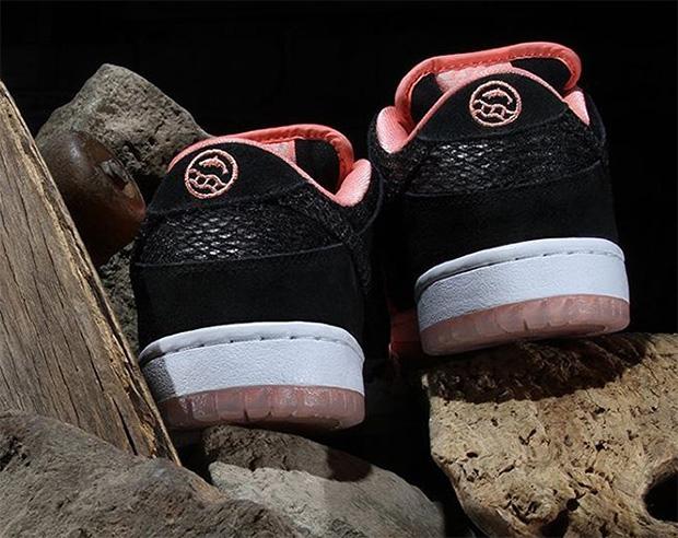 Premier-x-Nike-SB-Dunk-Low-photos-04.jpg
