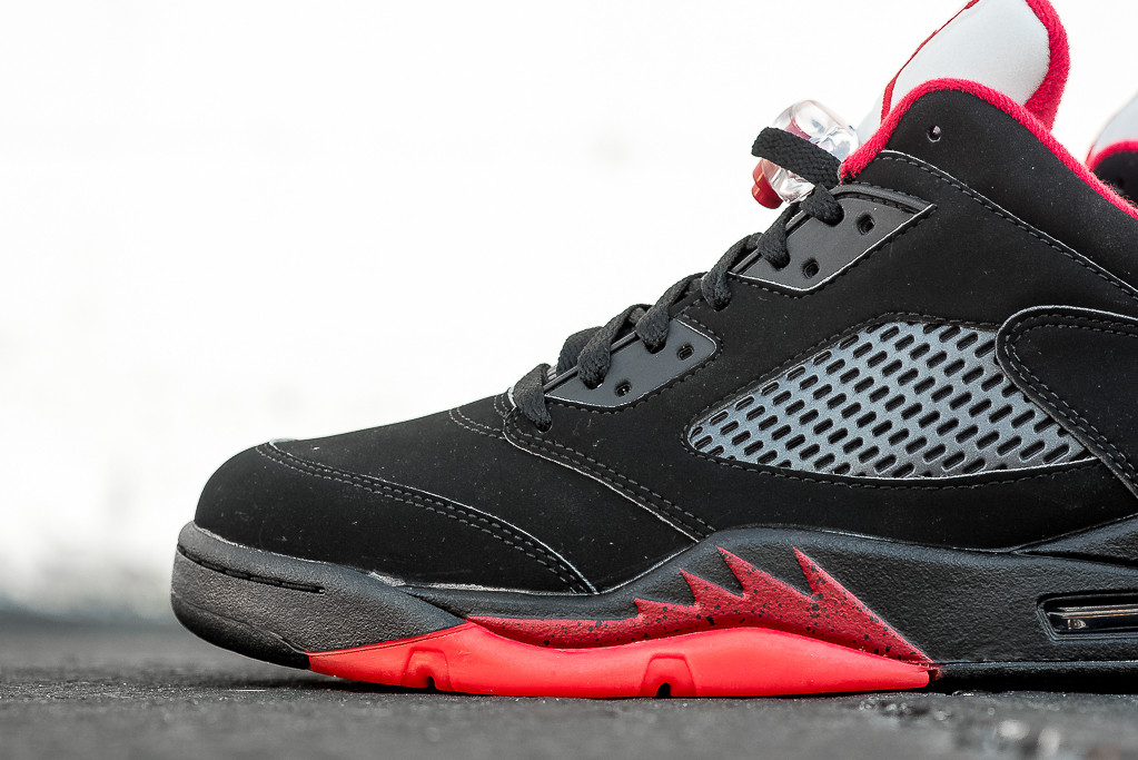 Air_Jordan_5_Retro_Low_BRED_Sneaker_Politics_Hypebeast_2.jpg