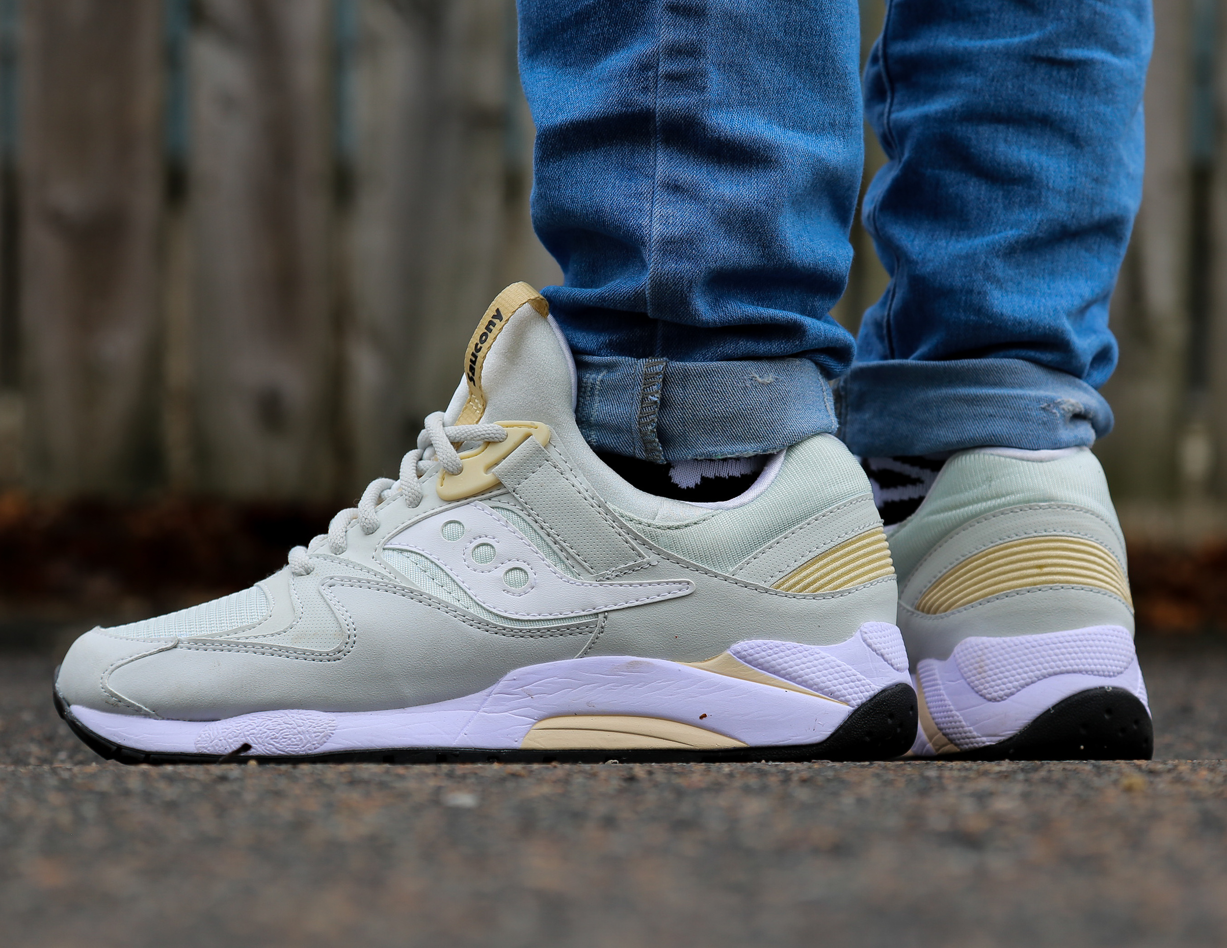 Saucony Grid 9000 In Light Grey Available Now – Feature