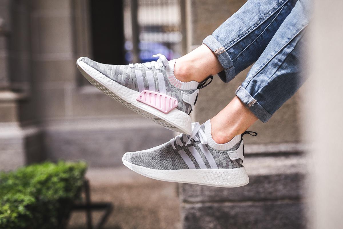Adidas Originals NMD R2 'Light Gray' cute