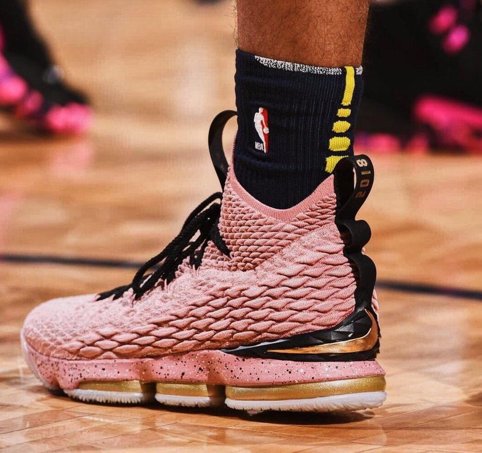 Selling - lebron 15 hollywood for sale