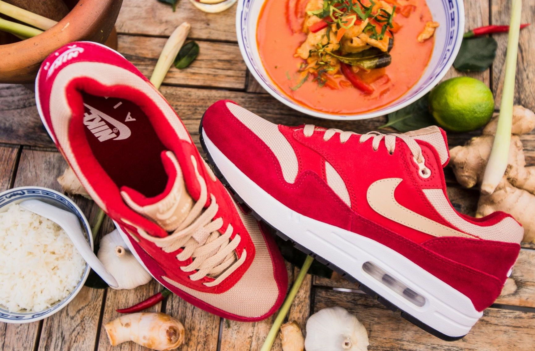 air max 1 curry pack red