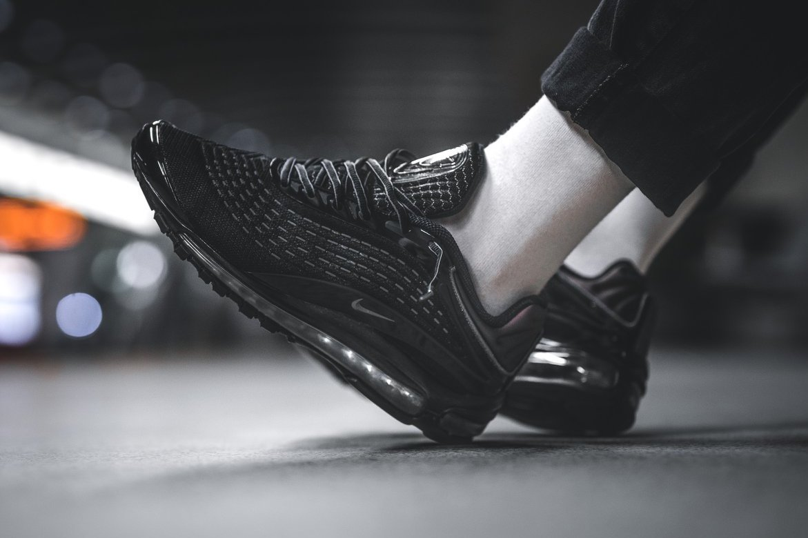 nike air max triple black deluxe