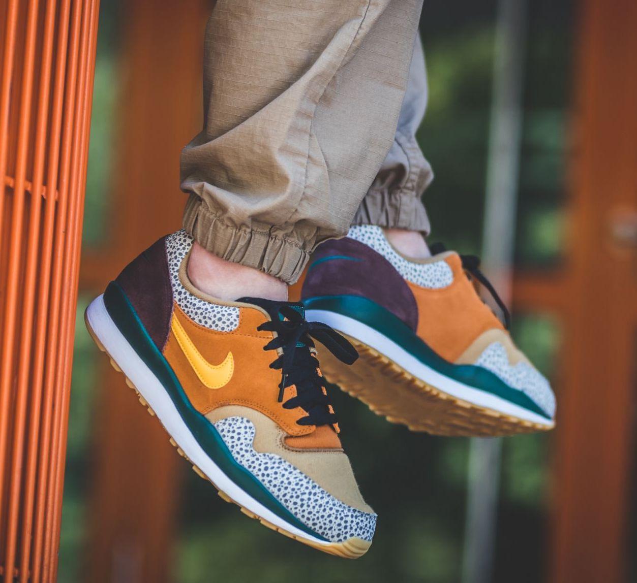 On Sale: Nike Air Safari SE \