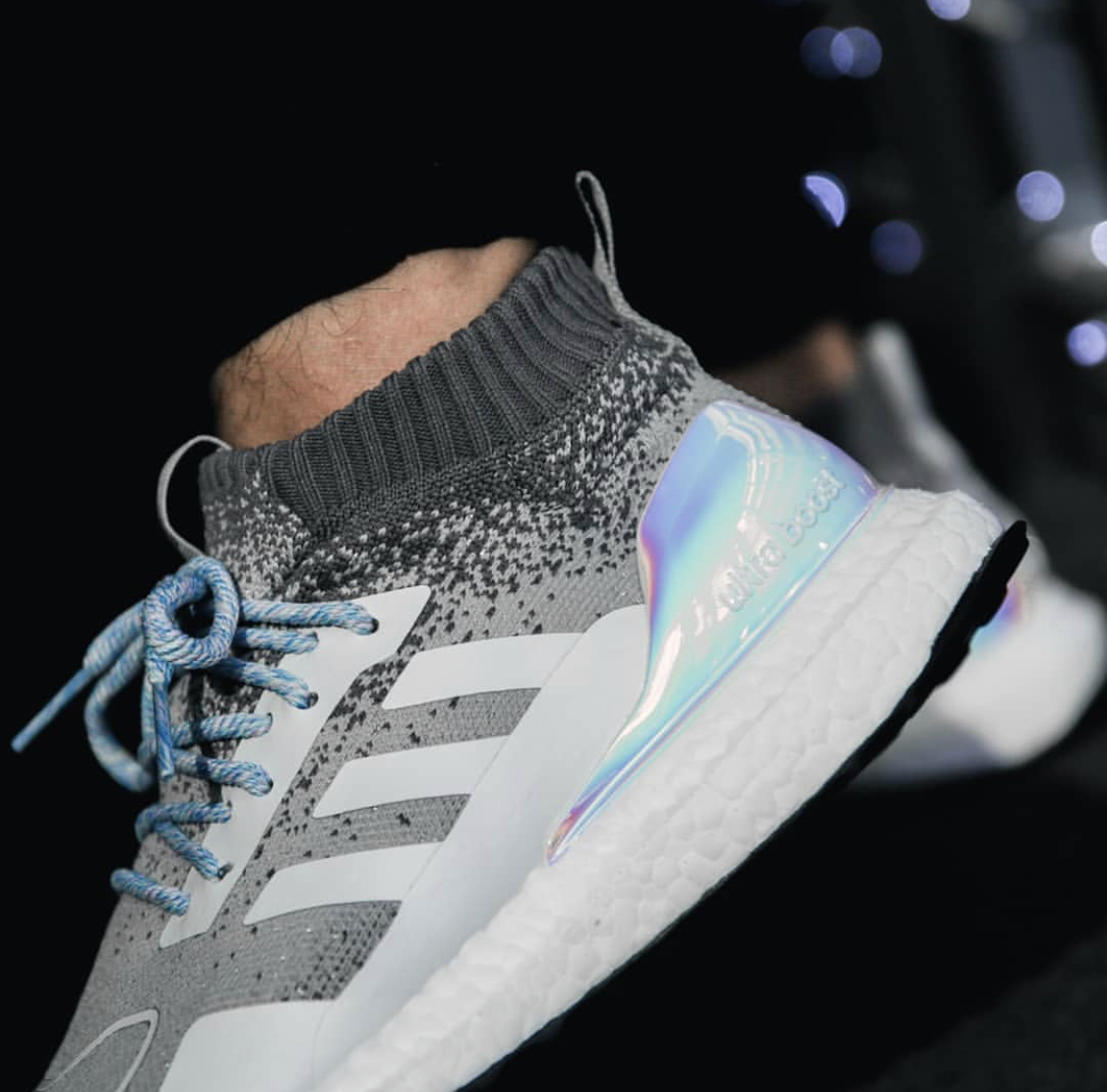 adidas Ultra Boost Mid \