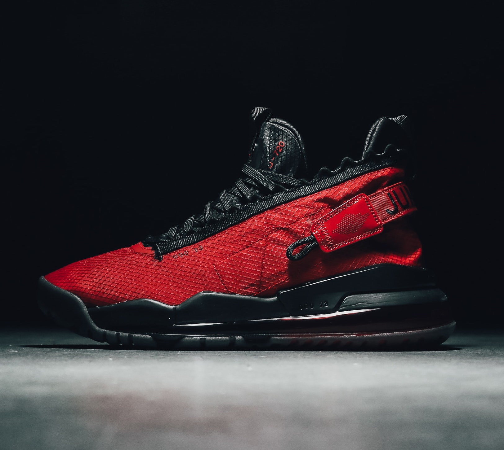 Now Available: Jordan Proto Max 720