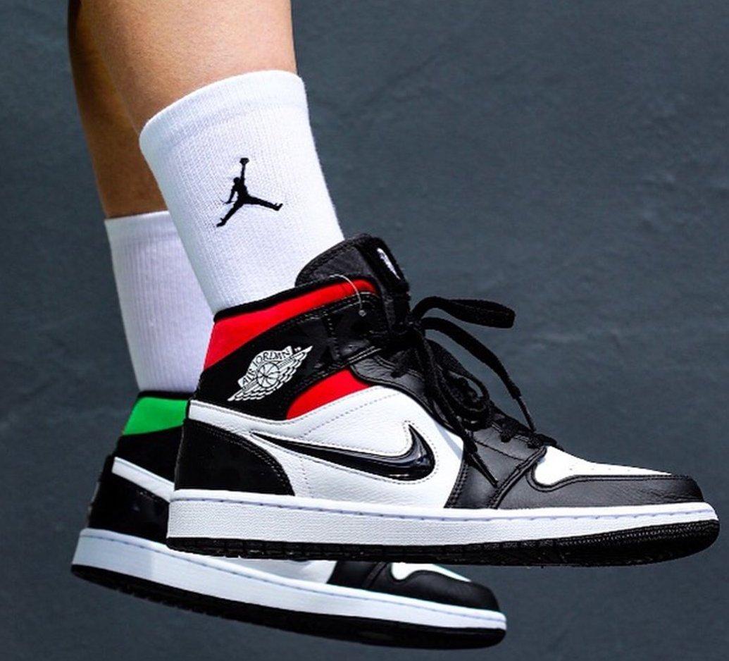 official photos 530b0 684f8 Restock: Air Jordan 1 Mid