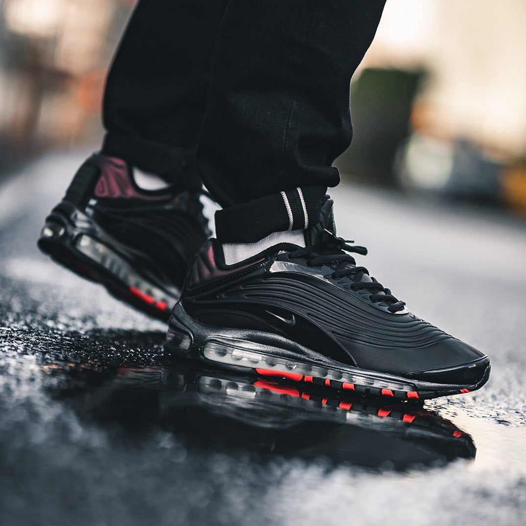 On Sale: Nike Air Max Deluxe SE \