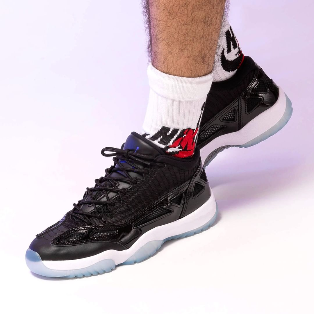 air jordan 11 low ie space jam release date