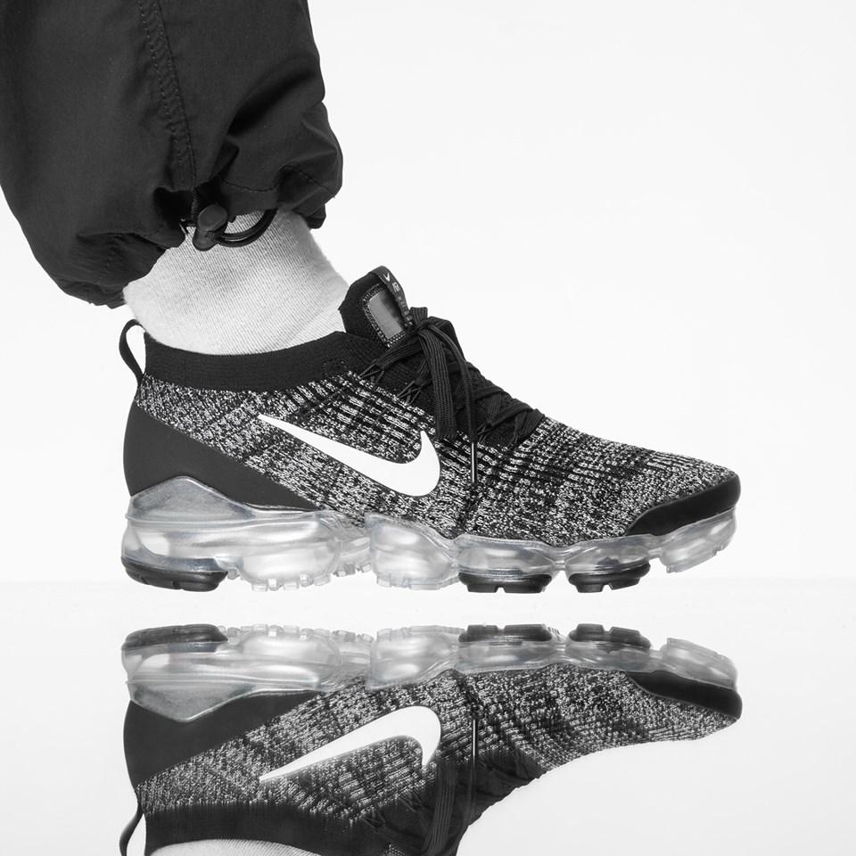 Sale: Nike Air VaporMax Flyknit 3 \