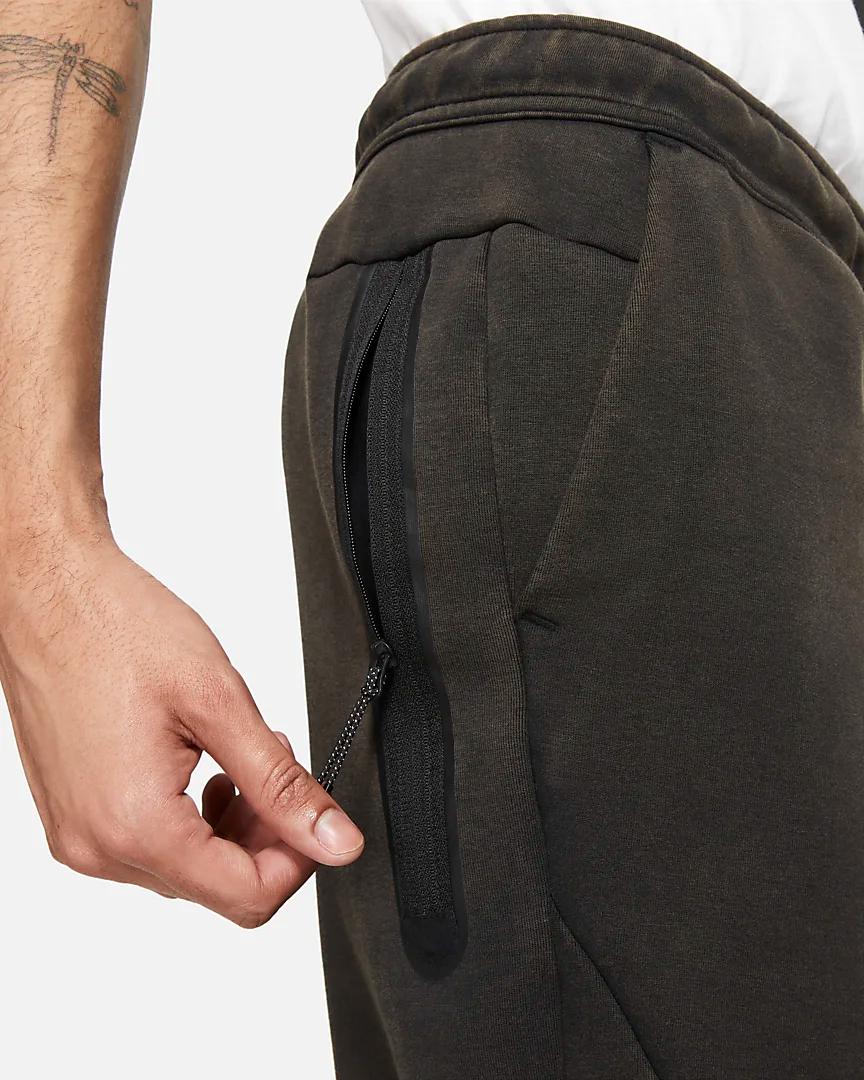 sportswear-tech-fleece-mens-washed-joggers-4KR10t (2).png