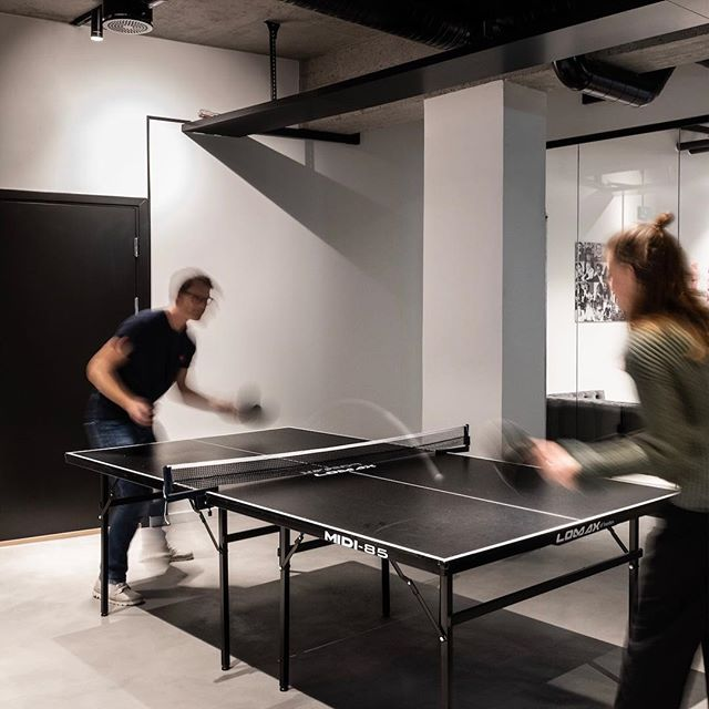 Keep calm and play some Ping Pong! 🏓 ———————————————————————— #krohnark #interior #interiorarchitecture #ourwork #krohnarkproject #funday Photo credit: @niklashart