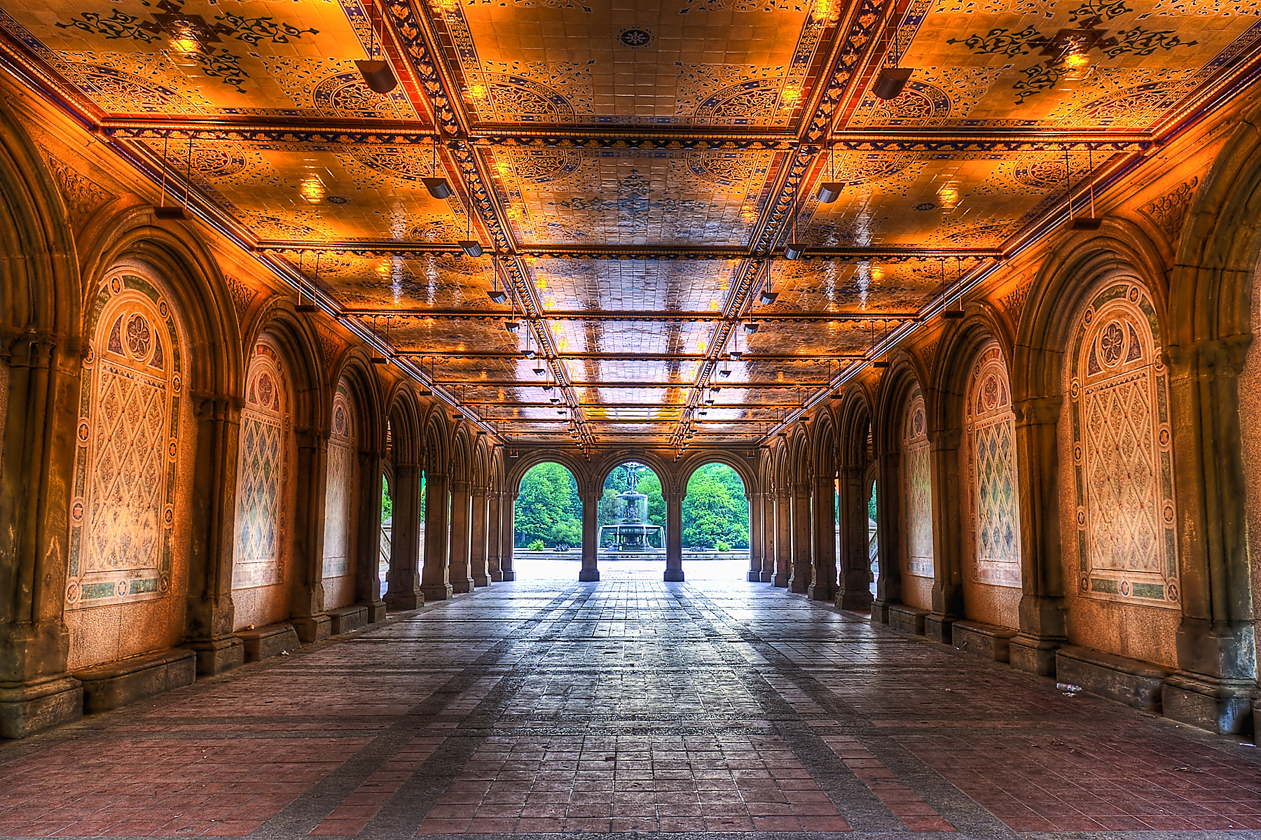 Early_morning_view_under_Bethesda_Terrace,_Central_Park,_NYC.jpg