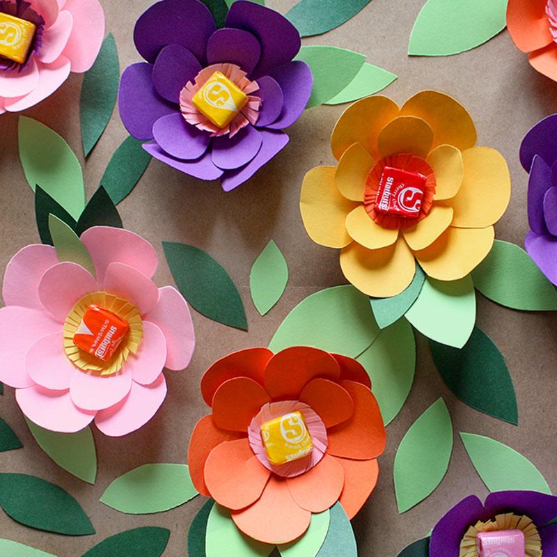 Starburst_Social_March_Flowers_Square.jpg