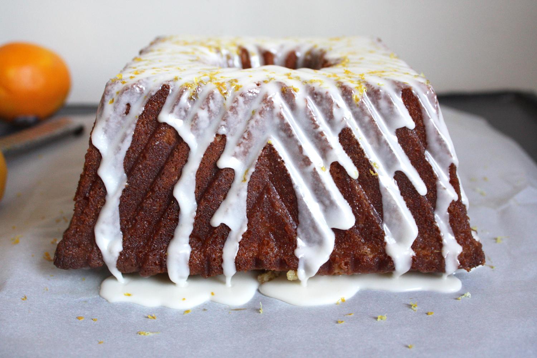 a delicious lemony bundt cake