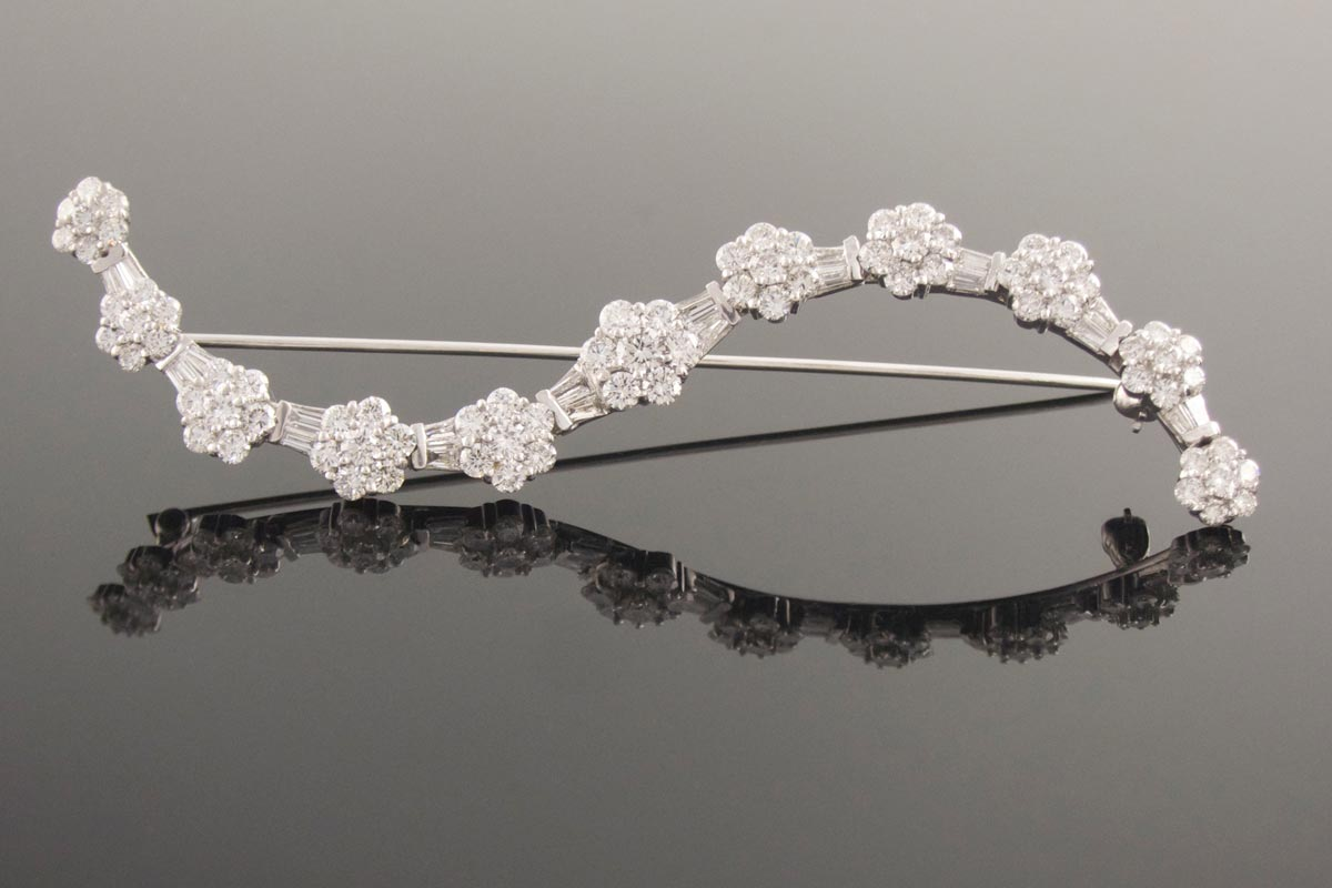 18ct white gold diamond brooch