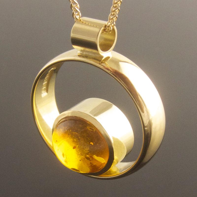 Amber-circle-pendant.jpg